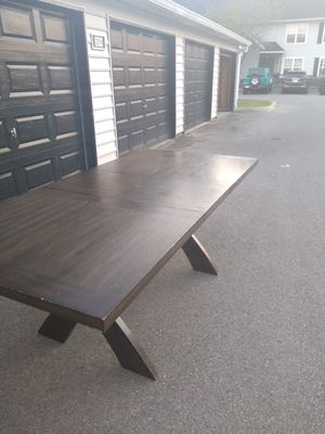 Nice big table for Sale in Hilliard, OH