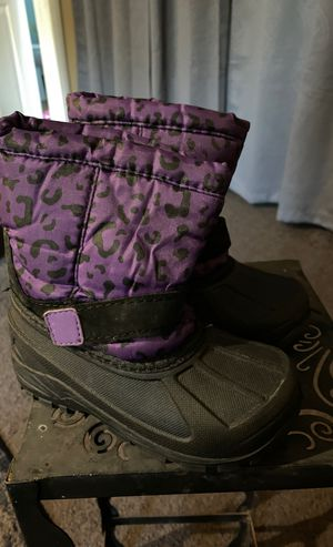Toddler Girl Size 9 snow boots for Sale in Torrance, CA
