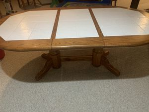 Dining/Kitchen table, great condition for Sale in Seven Hills, OH