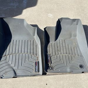 Weather Tech Floor liners For 2016 Toyota Highlander LE - Grey - Driver & Passenger Side FRONT ONLY for Sale in Hutto, TX