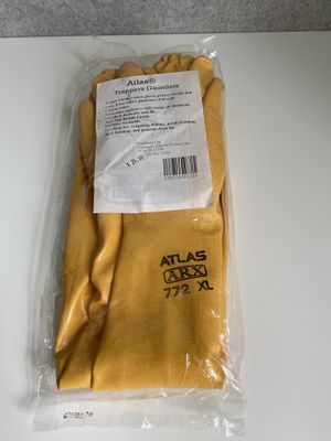 Atlas Trapping Gauntlets XL for Sale in Raleigh, NC