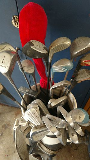 Golf clubs and bag, just have to many good set of clubs iron and woods, two putters for Sale in Mason City, IA