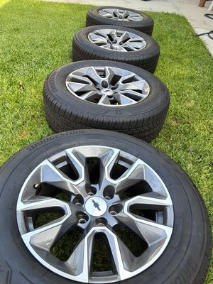 Chevy Silverado wheels/rims and tires 6 lugs for Sale in Paramount, CA