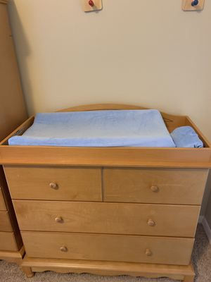 Baby changing table with cover for Sale in Land O' Lakes, FL