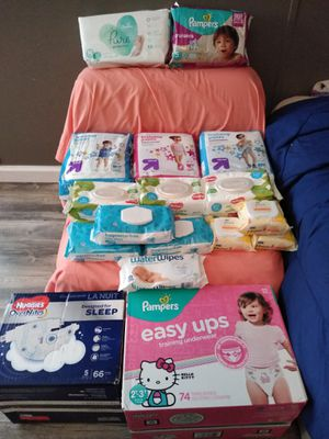 Diapers and wipes for Sale in Brooksville, FL