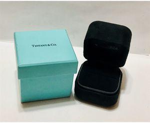 TIFFANY & CO - RING BOX for Sale in Lorton, VA