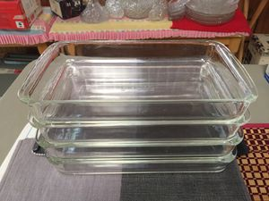 PYREX Corning N.Y., Baking & Microwave only. for Sale in Hesperia, CA