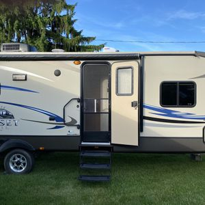 2012 Sunset crossroads reserve 30' Reserve for Sale in Pittsburgh, PA