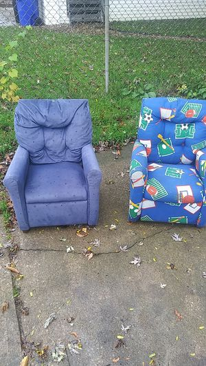 Childrens Reclining Chairs for Sale in Brook Park, OH