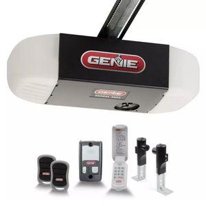 SilentMax 750 3/4 HPc Ultra-Quiet Belt Drive Garage Door Opener with Wireless Ke for Sale in The Bronx, NY
