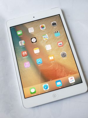 iPad Mini 2 , UNLOCKED , Usable with Wi-Fi and all Company carrier Cellular for Sale in Springfield, VA