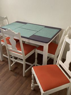 Kitchen Table With Chairs $100 Obo for Sale in Orem,  UT