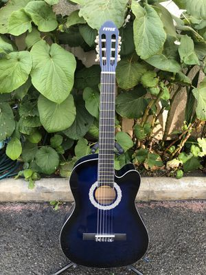 Fever classic acoustic guitar with nylon strings for Sale in Bell, CA