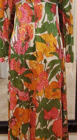 Definitely 1970's Vintage Maxi Dress for Sale in Diamond Bar,  CA
