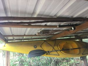 Perception kayak with paddle for Sale in Douglas, GA