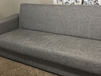 $600 Couch *converts to bed / storage underneath for Sale in Battle Ground,  WA