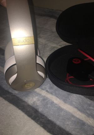Beats studio wireless Bluetooth headphones for Sale in Chicago, IL