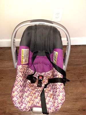 Car seat for Sale in Atlanta, GA