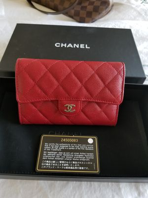 Chanel classic small wallet for Sale in Austin, TX
