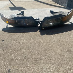 2005-2008 Acura TL Front Headlights for Sale in Whittier, CA