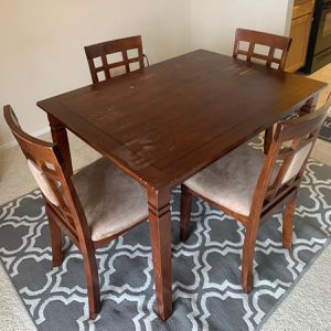 Dining Table With rugs for Sale in Alexandria, VA