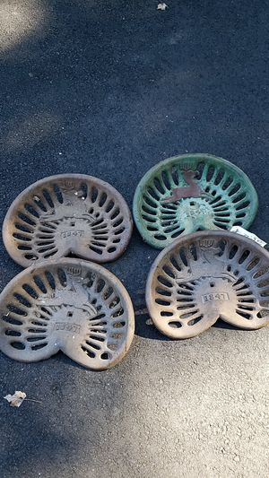 4 John Deere tractor seats vintage for Sale in Northport, NY