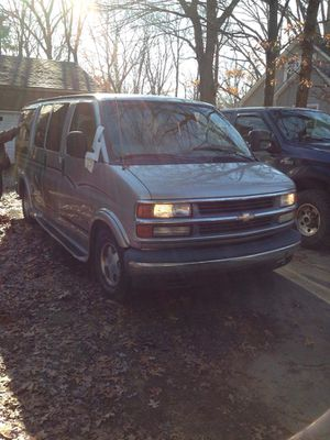 2000 Chevy express conversion van loaded clean for Sale in Southfield, MI