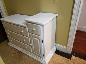 Infant changing table for Sale in Fayetteville, GA