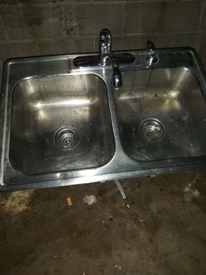 Kitchen sink for Sale in St. Louis, MO