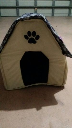 Dog house for Sale in Kissimmee, FL