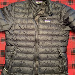 Patagonia Men's Small Jacket for Sale in Oswego, IL