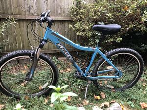 """Specialized hard rock sport 16"""" women's for Sale in Queens, NY"""