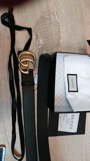 Gucci black leather belt with gold marmont buckle for Sale in Paterson, NJ