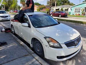 08 Nissan Altima 3.5 se for Sale in Miami, FL