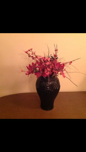 Black case with flowers for Sale in Palmetto, FL