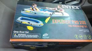 Intex Explorer pro 200 two person boat set for Sale in Modesto, CA