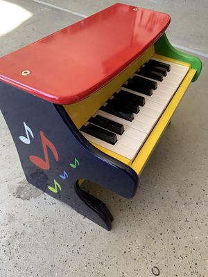 Melissa & Doug kids toy piano for Sale in Chula Vista, CA