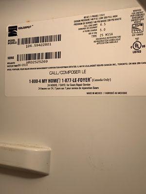 Kenmore refrigerator/freezer with ice/water dispenser on freezer door for Sale in Houston, TX