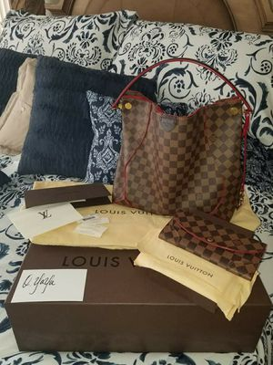Louis Vuitton Caissa Hobo and Wallet for Sale in Las Vegas, NV