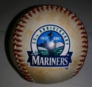 1977-2007 Seattle Mariners 30th Anniversary Rawlings Baseball for Sale in Pinellas Park, FL