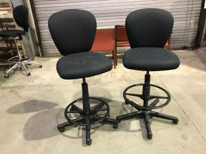 (10) Stool to chair adjustable for Sale in Kingsville, MD