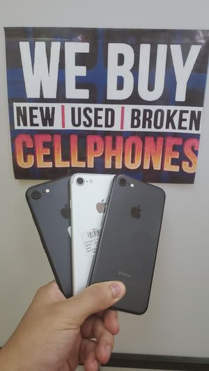 IPHONE 7 32GB FOR TMOBILE & METRO OR AT&T & CRICKET for Sale in Garland, TX