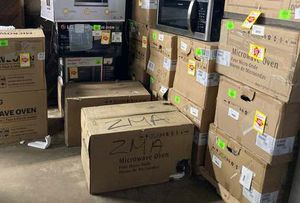 Microwaves Z8 Z for Sale in Humble, TX