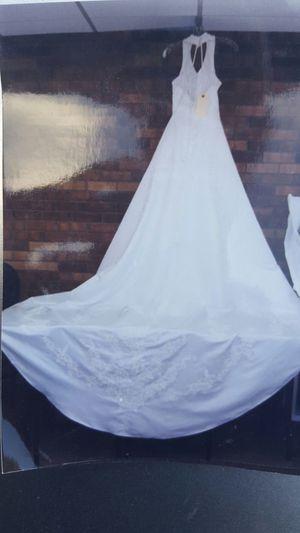 Wedding dress size 14 for Sale in Wichita, KS