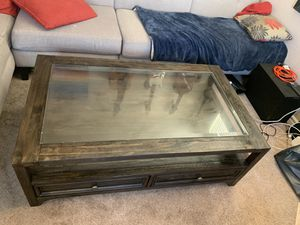 Living spaces Coffee table in great condition and queen memory foam mattress for Sale in San Jose, CA