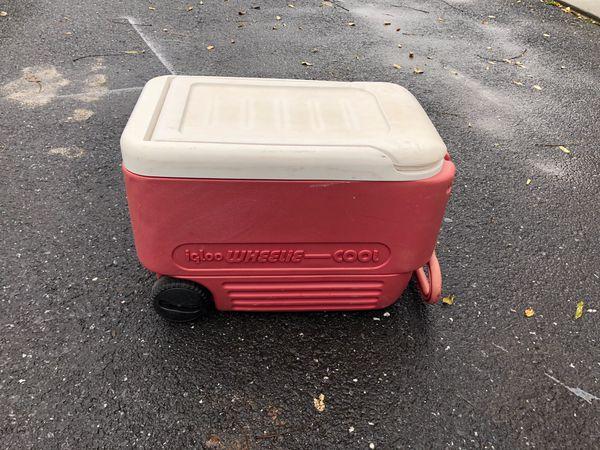 52 qt igloo wheelie cooler