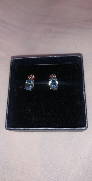 Different sets of earrings for Sale in Dinuba, CA