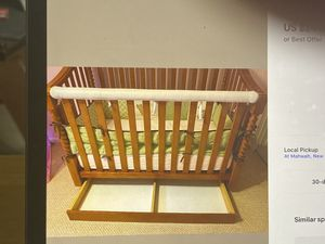 Bellini crib and chest/changing table for Sale in Fort Lauderdale, FL