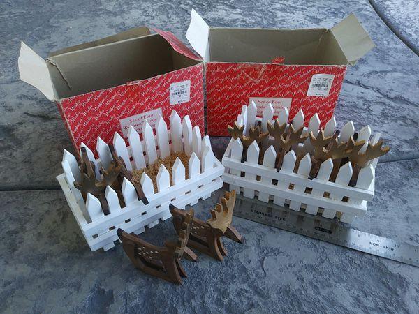2 sets of Wooden hand made Reindeer napkin holder rings plus storage