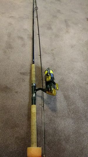 Shimano Convergence Graphite Fishing Pole with Penn Captiva Reel for Sale in Spanaway, WA